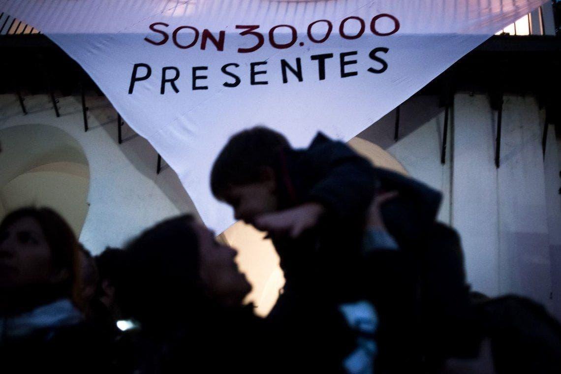 El gobierno bonaerense reconoce el número de 30 mil desaparecidos |  Derechos Humanos, Desaparecidos, Lanús, Provincia de Buenos Aires