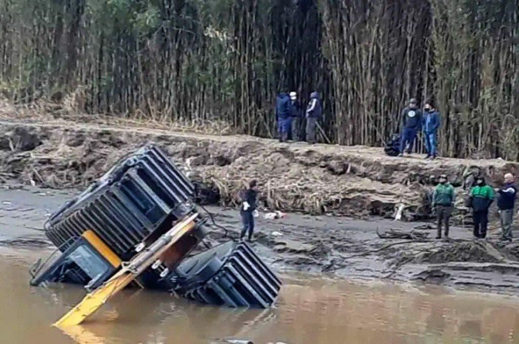 Ensenada: presentaron una máquina anfibia y se hundió el primer día |  Ensenada, redes sociales, Máquina
